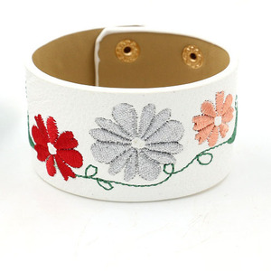 2019 new arrival spring vintage african fabric mulit color pu leather custom plant floral embroidered female bracelet