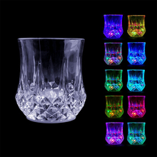 Liquid Activated Multicolour Flash Light Up Led Pineapple Wine Cups For Bar Night Club Party Drink