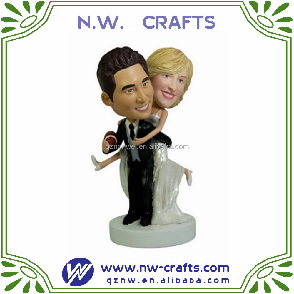 Hot sale couple figurine custom resin wedding bobble head