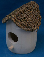 New environmental seagrass lid wooden bird house