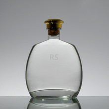 Top quality super flint glass 70cl fancy flat tequila bottles