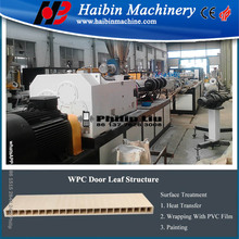 wpc floor board extruding machine/wood plastic production line price