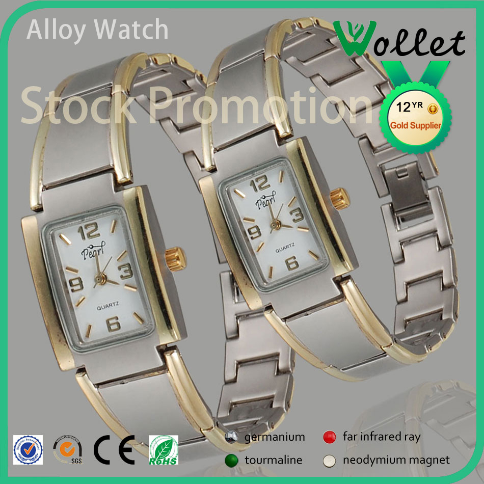 2015 Hot selling women gold plated stainless steel watch geneva with rhinestone