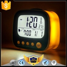 KH-0224 Large LCD Display Alarm Clock Cheap Small Indoor Room Desktop LED Digital Clock With Temperature