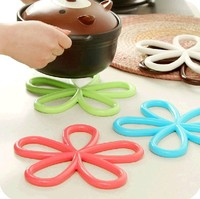 Silicone creative Floral hollow out insulation Tea Coffee Drink cup mat pad round Lace silicone cup coaster