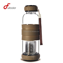 BPA free borosilicate glass water bottle with tea infuser and slicone sleeve