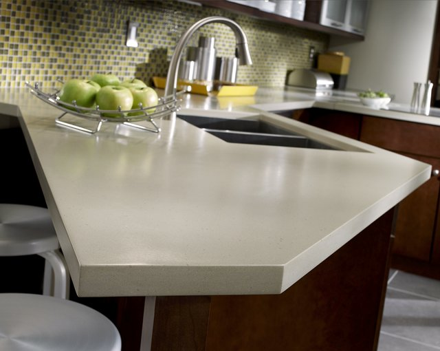 Flame retardant solid surface countertop