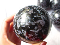 Wholesale natural gabrro gemstone spheres,snowflack hand carved healing mineral specimen ball for collector