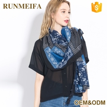 2017 European Scarves and Shawls for Women Fashion Design Bohemian Tassels Print Plaid Scarf Artistic Style Bandana