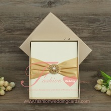 Customized Cheap Silk Box Wedding Invitations Cards With Buckle