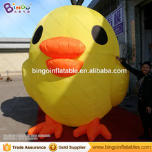 Yellow color inflatable balloon giant inflatable chicken for sale