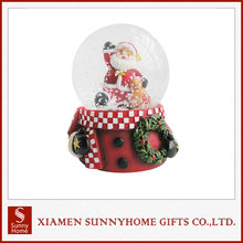 New Design Custom Made Santa Claus Souvenir Snow Globe
