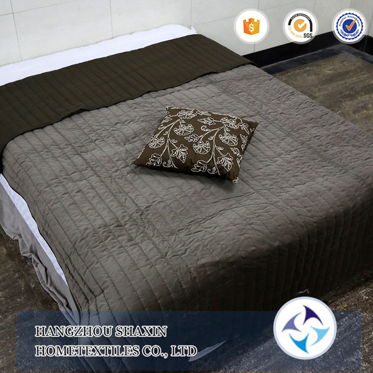 China supplier tv plain dyed polyester and cotton blankets