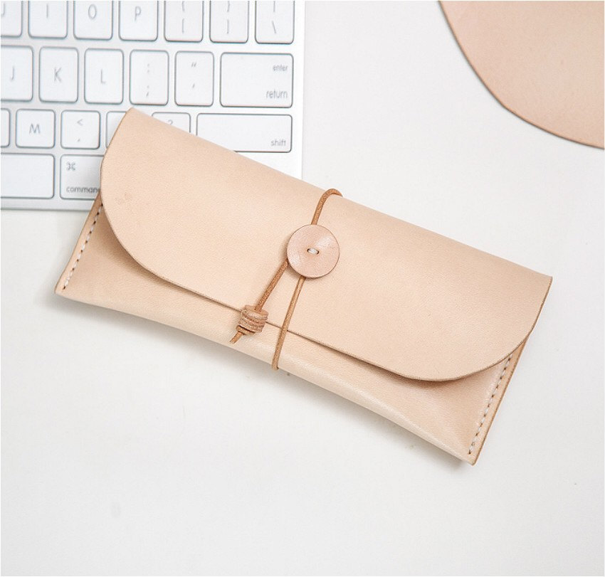 Made to order super cute and functional vegetable tanned leather luxury roll pencil case