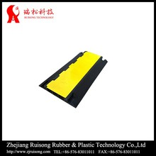 Best-selling superior rubber cable protector 4 channel