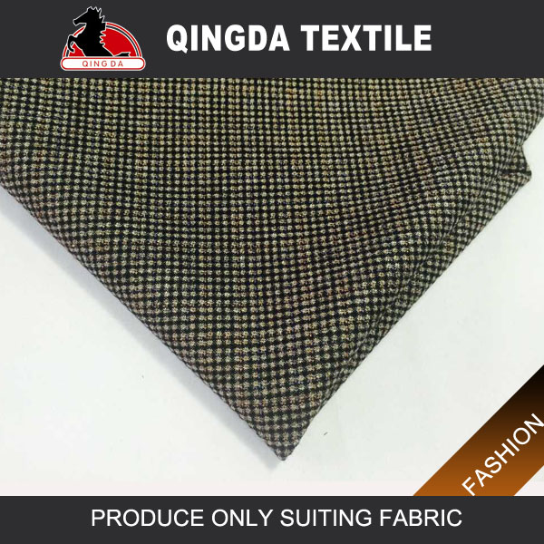 Quality winter cheap man suit fabric hot in europe wool polyester blend suiting fabric