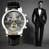 2015 New Quartz men Wrist Watch