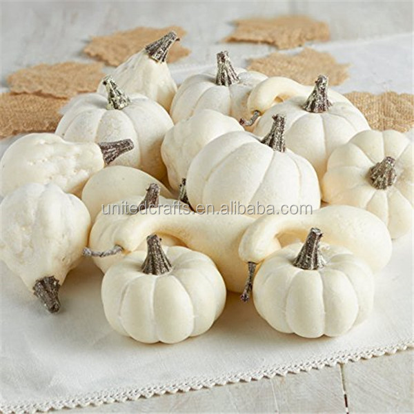 2017 wholesale decorative artificial white foam craft pumpkins
