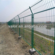 HOT SALE PVC coated green fence with post (100%factory )/fencing for sale chicken wire/