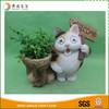2017 cheap decorative solar light resin cat planter pot