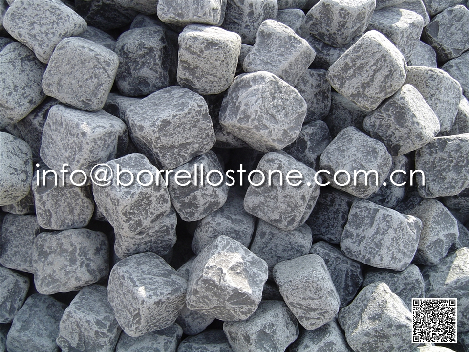 tumbled basalt cobble stone