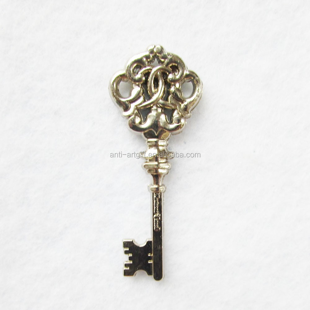 Custom design soft enamel antique key pin badges Europe Newest Style No MOQ
