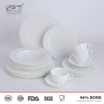 Elegent fancy 20pcs royal dubai ceramic porcelain japanese dinner set with gold rim