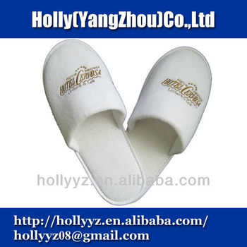 White closed cotton slippers for hotel with anti-slip dots sole