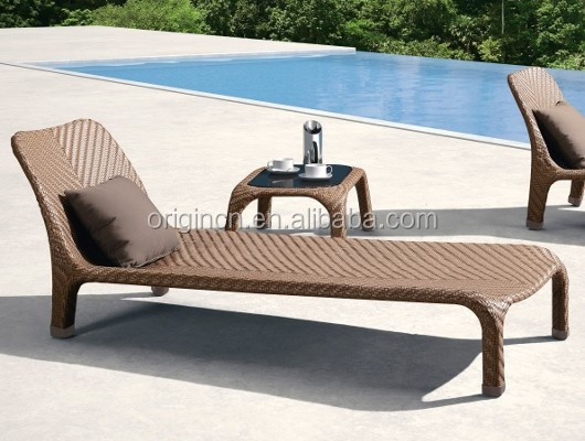 Resort hotel used classic rattan pool table and chair set outdoor furniture cebu bed