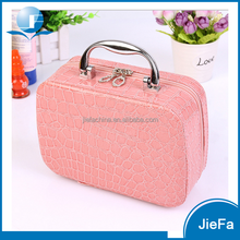 2016 fashion portable crocodile pattern soft plastic pink young girl's cosmetic case