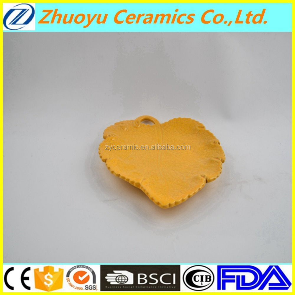 Yellow maple leaf ceramic plate for decoration