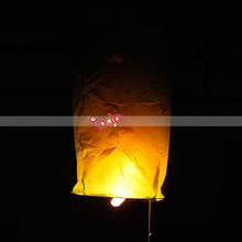 Cylindrical Paper Sky Lanterns Wish Lanterns For Parties or Festivals