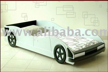 Boys/girls convertible bed