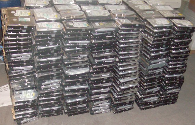 LOT of 100 20gb hard drives
