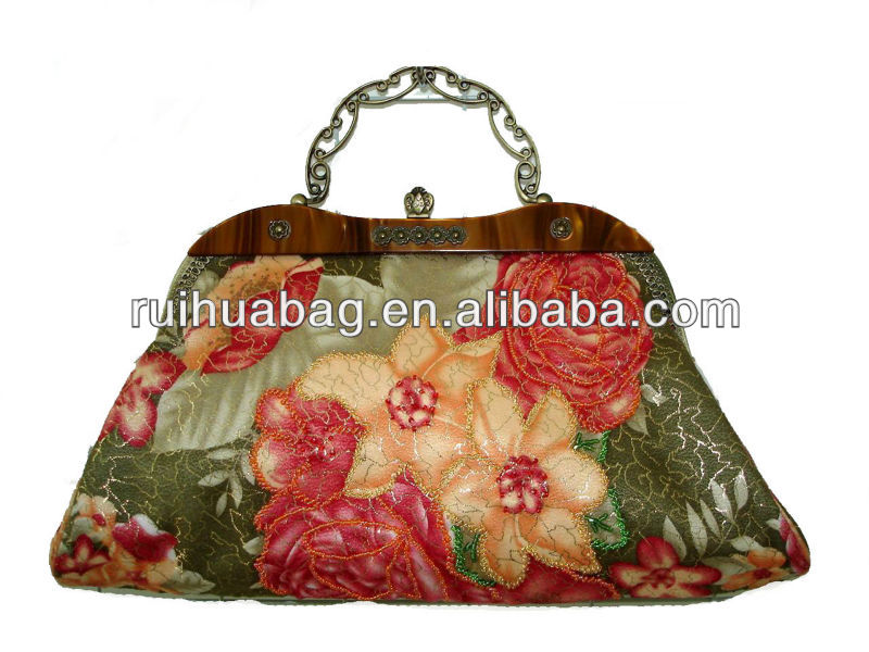 Luxury lady handbags with printed flowers