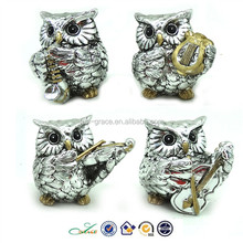 Plated owl playing music silver polyresin figurines