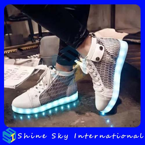 New Design Summer Breatheable Girls Net Flashing Shoes