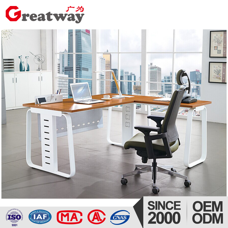 L-shape office executive table leg with wire management