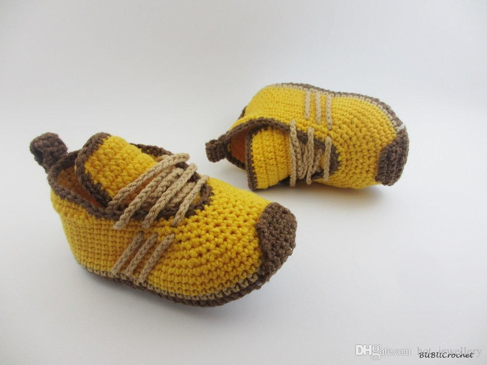 Banana Handmade Knitted New Born Baby Cotton Yarn and Suitable Shoes