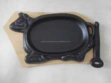cast iron cow shape sizzler plate with handle / cow shape pan
