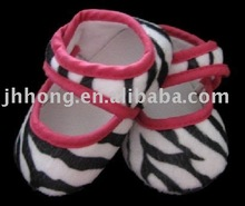 Hot selling hot pink zebra baby shoes / cavas baby crib shoes