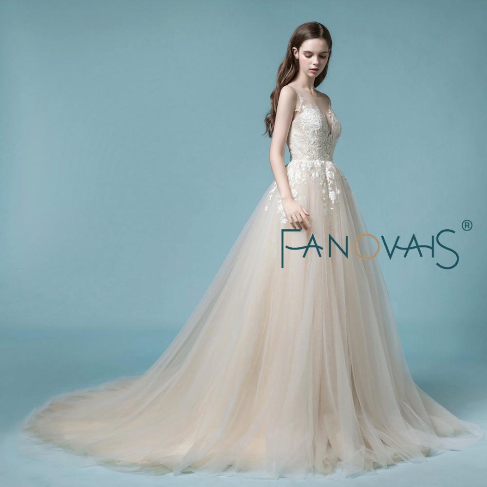 Wunderbar Licht Gold Hochzeitskleid Fotos - Brautkleider Ideen ...
