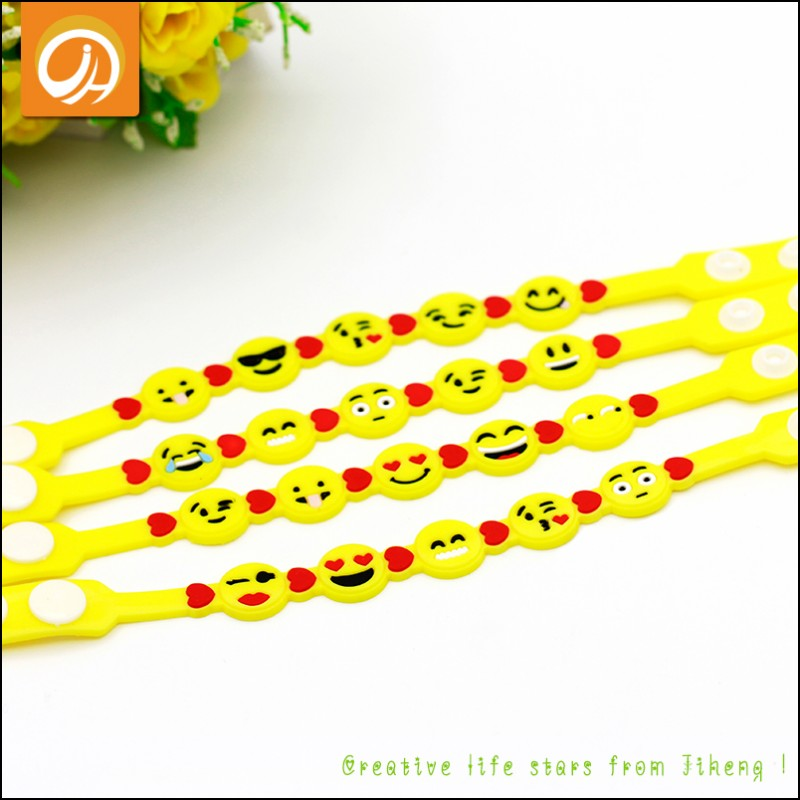 Personalized New Fashion Jewelry Smiley Face Cute Emoji Charm Bracelets