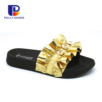 Wholesale Charming Slide Sandals Flat New Fashion Women Slippers