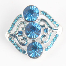 China Jewelry Wholesale Handmade Rhinestone Magnetic Push Snap Button Jewelry