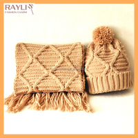 Brand New Brown color wavy design knitted Men's Basic cable beanie Hat and Scarf Set