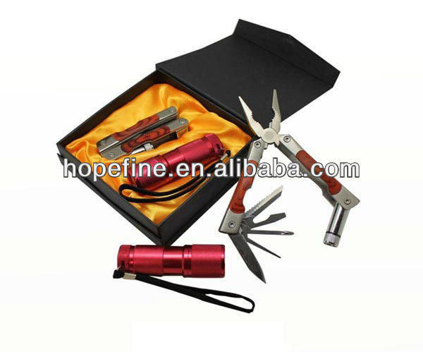 Promotional luxury Multi Tool And Torch Set In Gift Box