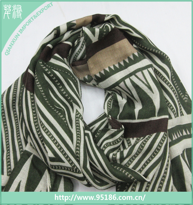 SC-117930 Qianxun wholesale stripe magic polyester scarf