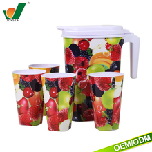 cheap kitchen food grade water pitcher household plastic hot/cold water jug with lid/handle/cups
