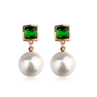 Top quality jewelry from China emerald green stone earrng with white pearl as green jade earring